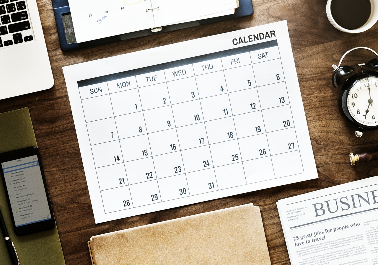Use an online calendar